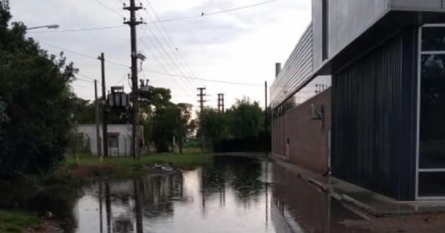 Con el actual temporal, se reiteran las quejas de vecinos de Barrio Industrial